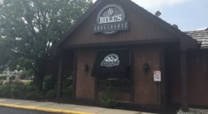 Bill's Smokehouse Has A Brunch Buffet In Indiana That Will Have You Setting Your Alarm