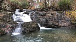 This Right-Off-The-Road Waterfall Is An Easy Arkansas Adventure