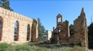 The Ruins Of This Beautiful Kansas Church Are Something To Behold