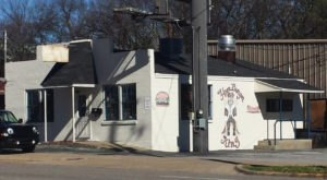 The Roadside Hamburger Hut In Alabama That Shouldn't Be Passed Up
