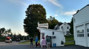 You Need To Try This Tiny Roadside Ice Cream Stand In New York That Only Serves One Flavor A Day