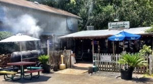 This Beachfront BBQ Restaurant In Georgia Will Make The Season Complete