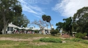 The Most Unusual Dining Destination In Florida Will Delight You In Every Way