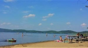 This One Beautiful Vermont Lake Has A Beach That Rivals The Coast