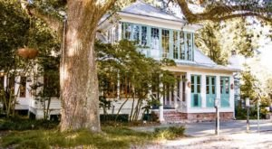 There's A Charming Restaurant In This Century-Old Home In Louisiana And You Need To Visit It