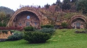 West Virginia Has A Real Life Hobbit Hole And You're Going To Want To Visit