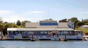 This Floating Restaurant In Northern California Is Such A Unique Place To Dine