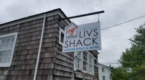 This Marina Seafood Shack Will Become You New Favorite Warm Weather Eatery In Connecticut