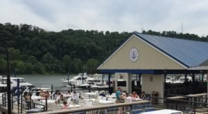 5 Restaurants Around Pittsburgh With The Most Amazing Dockside Dining