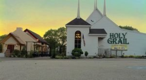 This Irish Pub Hiding Inside A Converted New Hampshire Church Is Basically Heaven On Earth