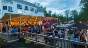Get To This Delaware Restaurant By Boat, Bike, Or Car For An Amazing Meal