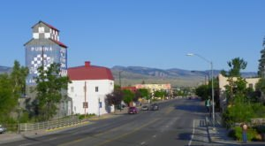 Wyoming's Friendliest Small Town, Lander, Is Sure To Put A Smile On Your Face