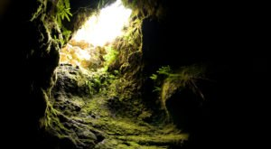 The Longest Lava Tube In The Country Is Right Here In Washington, And You Can Walk Through It