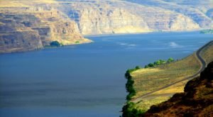 Experience A Beautiful Piece Of Living History At The Columbia River, The Oldest River In Washington