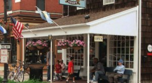 This Old School Ice Cream Parlor In Delaware Will Take You Back In Time