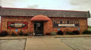 The Biggest, Juiciest Prime Rib In Iowa Is Served At This Old School Steakhouse