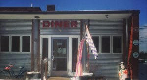 This Alien Themed Diner In New Hampshire Is Out Of This World