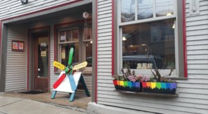 This Hippie-Themed Restaurant In Vermont Is The Grooviest Place To Dine
