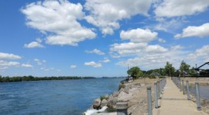 The Magical River Walk In Buffalo That Will Transport You To Another World