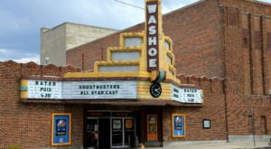 This Tiny Theatre In Montana Is The Last Of its Kind