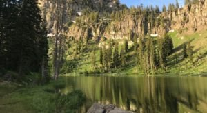 This Exhilarating Hike Takes You To The Most Crystal Blue Lake In Utah