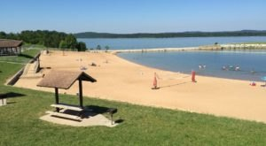 This One Beautiful Missouri Lake Has A Beach That Rivals The Coast