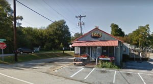 The Corner Hamburger Joint In South Carolina That Shouldn't Be Passed Up
