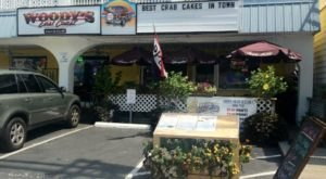 Feast On Famous Crab Cakes At This Legendary Delaware Beach Bar