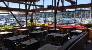 The Harbor Restaurant In Washington That Belongs At The Top Of Your Summer Bucket List