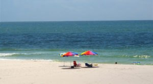 The Hidden Beach In Alabama With Clear Waters That Rival The Caribbean