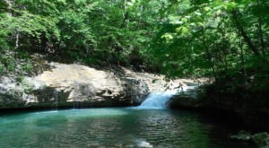 There's An Emerald Waterfall Hiding In Alabama That's Too Beautiful For Words