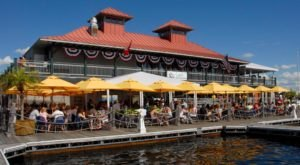 This Floating Restaurant In Vermont Is Such A Unique Place To Dine