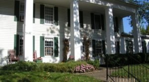 This 207-Year-Old Bed And Breakfast Is One Of The Most Haunted Places In Ohio… And You Can Spend The Night