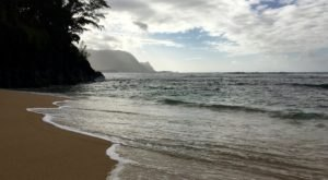 These 9 Itty Bitty Beaches Hiding In Hawaii Absolutely Must Be On Your Summer Bucket List
