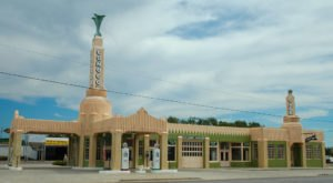 """You Can Visit The Small Town In Texas That Inspired The Disney Movie """"Cars"""""""