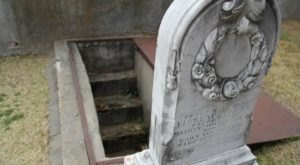 The Touching Story Behind Mississippi's Most Peculiar Gravesite