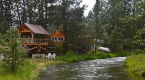 The Waterfront Treehouse Rental In Oregon You'll Never Want To Leave