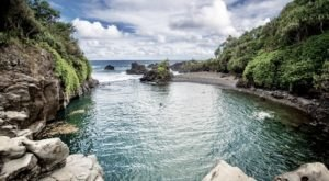 This Rugged Swimming Hole Might Just Be Hawaii's Most Beautiful, Underrated Natural Wonder