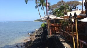 The Oceanfront Hawaii Restaurant That Pretty Much Invented Hawaii's Favorite Dessert