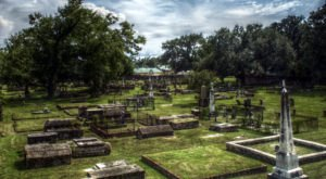 You Won't Want To Visit This Notorious Alabama Cemetery Alone Or After Dark