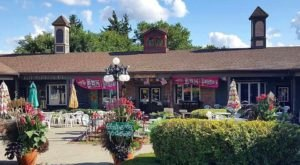 This Hippie-Themed Restaurant Near Buffalo Is The Grooviest Place To Dine