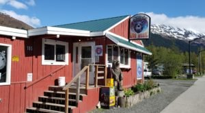 The Best Burger In Alaska Is Hiding In This Small Town