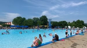 This Old-School Water Park In Cincinnati Is The Most Fun You've Had In Ages