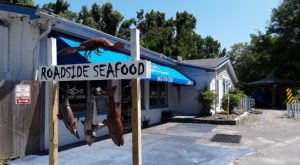 This Roadside Seafood Joint In South Carolina Has The Best Doggone Seafood Around