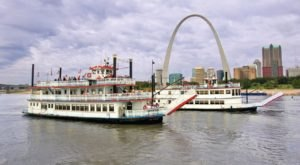 Hop Aboard This Dinner Boat In Missouri Where Both The Views And The Food Are Spectacular