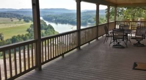 You'll Want To Stay At This Secluded Arkansas Cabin With A Million Dollar View