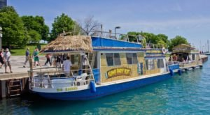 A Trip To This Floating Tiki Bar In Illinois Is The Ultimate Way To Spend A Summer's Day