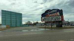 Visit The Last Remaining Original Drive-In Movie Theater On Route 66 In Illinois
