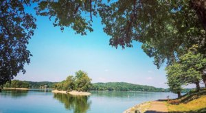 The Easy Lakeside Trail In Kentucky That's Wonderfully Relaxing