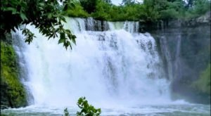 These 8 Waterfalls In Kansas Are Overflowing With Spring Rains Right Now